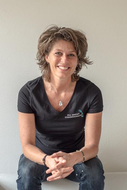 monique-massagetherapeut-lymfedrainage-massagevoorvrouwendoorvrouwen-ontspanningsmassage